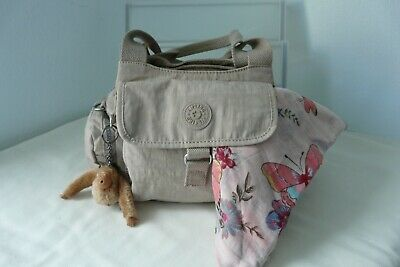 Kipling hand bag Estee monkey  &  scarf excellent  condition