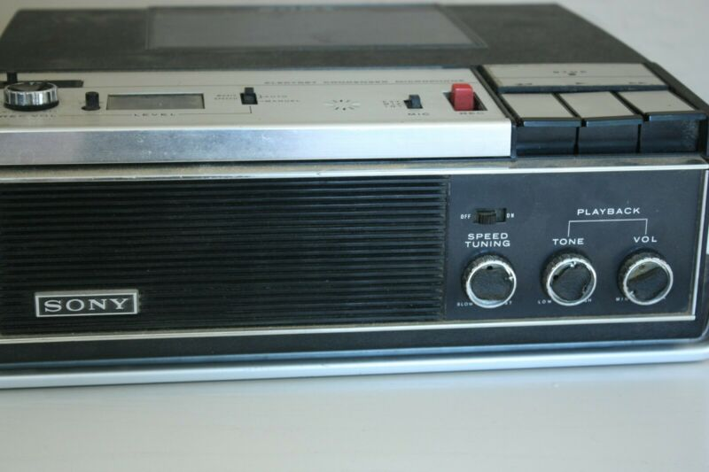 Sony Cassette Recorder and Player. 4 speed and works well. Vintage quality.