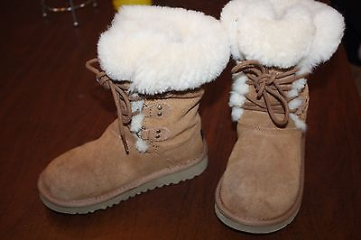UGG GENUINE CHESTNUT  LACE UP SHEEPSKIN BOOTS AWESOME 12  $150