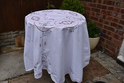 Vintage embroidery linen table cloth  round 64