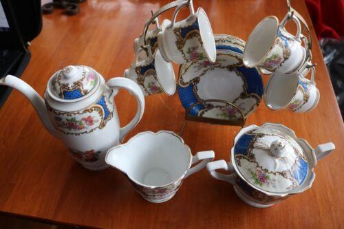 18 pc Vintage Gold Coast Bue Floral Tea set Excellent Used Condition