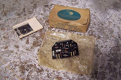 New Eca Photoswitch 60-1614 Type 42rl Time Delay On 5-10 Sec Off 5-15 Sec