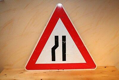 Verkehrsschild Achtung Hindernis, Verängung links, 84cm x 84cm