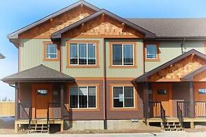 Breahill Townhouse - Available Immediatley!