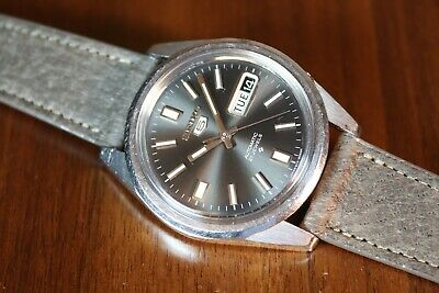 Vintage 9/71 Seiko 5 6119- 8083 Men's Automatic 21 J Watch New Crystal And Strap