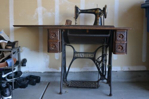1906 SINGER MODEL 27 TREADLE SEWING MACHINE - 5 Drawers