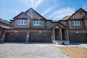 **BRAND NEW** 6 Bedroom Student House in THOROLD!!