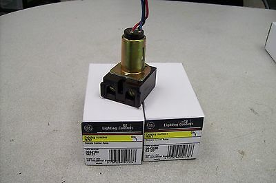Large Quanity          Ge Rr7  New In Box     Price Is For 1  Relay
