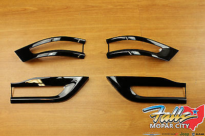 2014-2018 Jeep Grand Cherokee Gloss Black Tail Light Trim Bezel Kit Mopar OEM