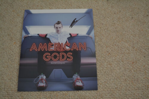 BRUCE LANGLEY signed Autogramm In Person 20x25 cm AMERICAN GODS