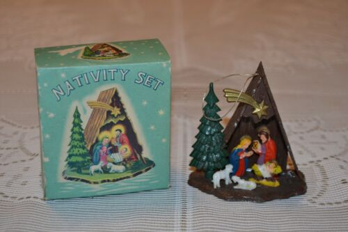 Vintage Christmas ~ Small plastic Nativity in box ~ No. 3361 ~ tree ornament