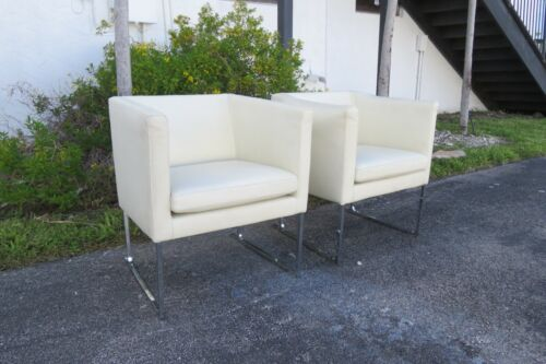 Mid Century Modern Pair of Milo Baughman Style Side Chairs 2309