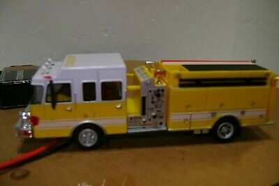 Ho scale firetruck with working flashing lights Ho Scale Working