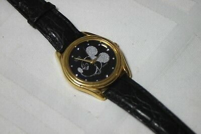Vintage Mickey Mouse Fashionable Wrist Watch Black and Silver Mickey RRS256