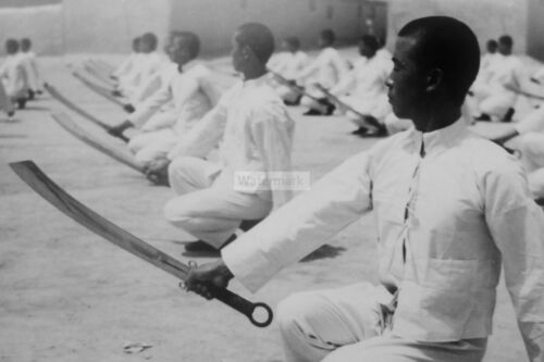 WW2 photo Chinese soldiers in a training session with dadao cleaver #420