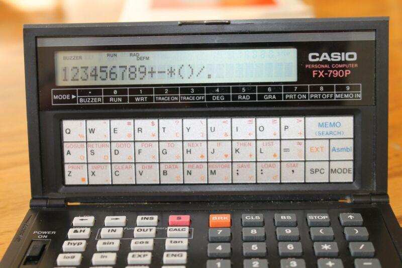WORKING CASIO PERSONAL COMPUTER FX-790P & BOOK