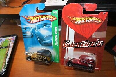 2008 Hot Wheels-Qombee VW T1 Bus Racer-Lot of 2-Valentines Day & Treasure Hunt