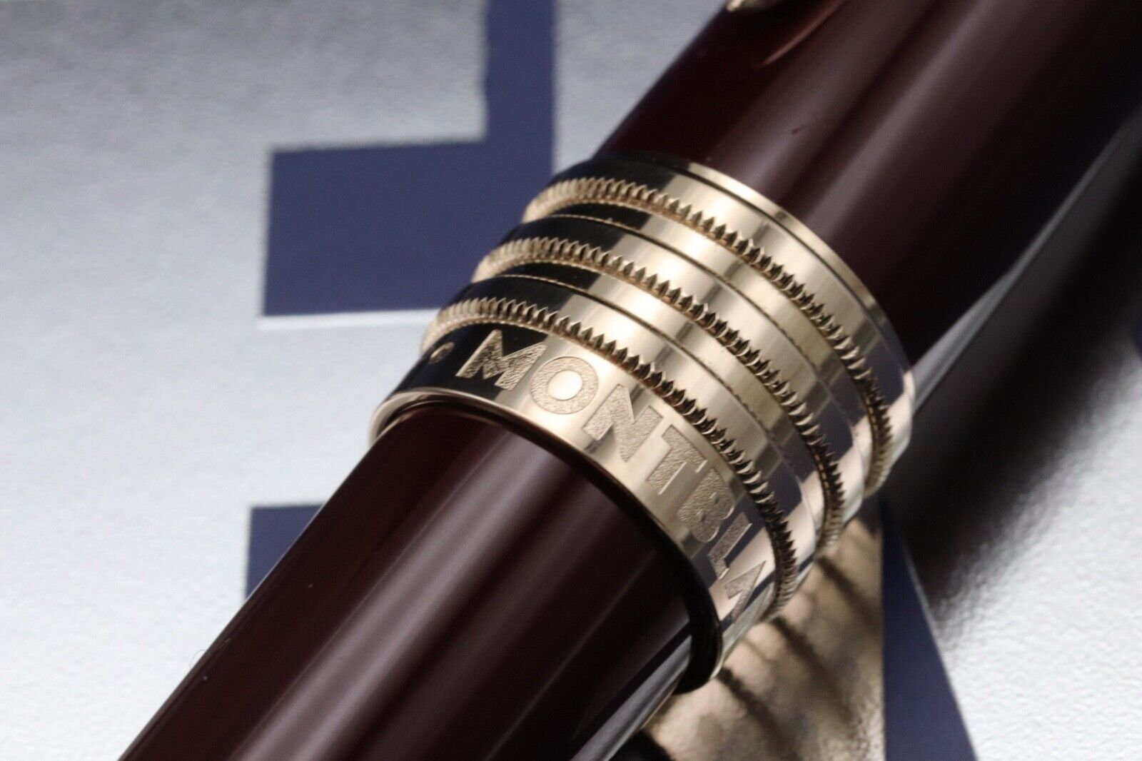 Montblanc Great Characters JFK Burgundy Special Edition Rollerball Pen 4