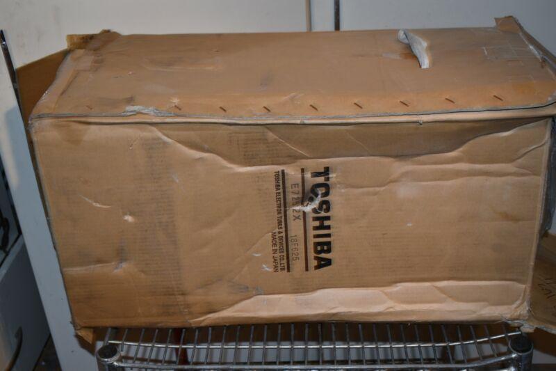 TOSHIBA ROTANODE E7252X X-RAY XRAY  TUBE - NEW in box ?   (JG10)