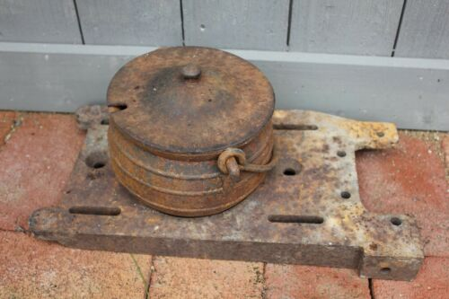 Vintage Cape Cod shop Cauldron Smelting pot hearth fireplace with Tool stand