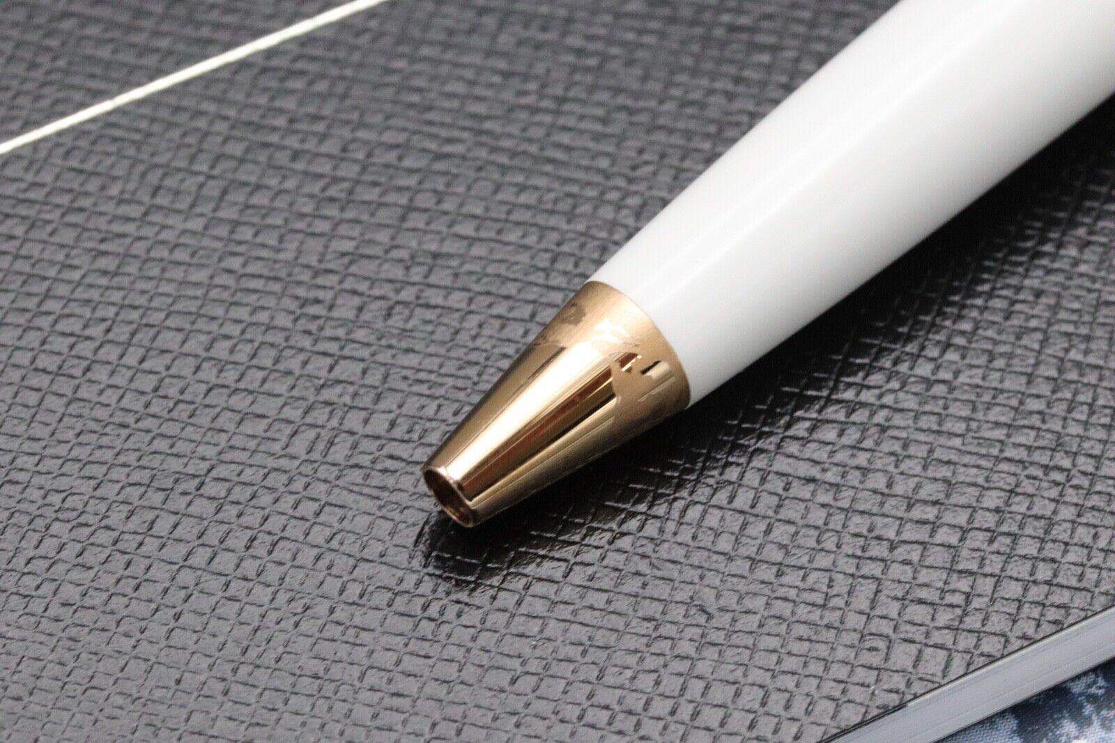 Montblanc Meisterstuck Mozart Tribute Red Gold Solitaire Ballpoint Pen - UNUSED 3