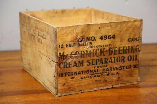 Vintage McCORMICK DEERING International Harvester Oil Wood Wooden Box Crate Old