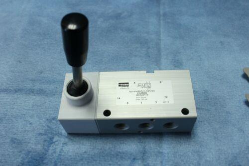 NOS Parker Hand Control Valve PD45480