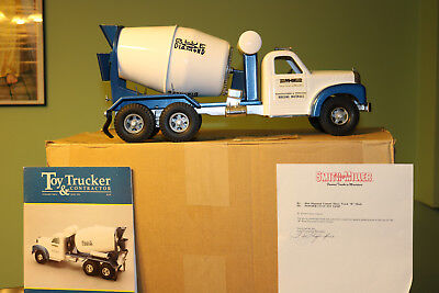 "Smith Miller ""B–Mack Blue Diamond Cement Truck""  - TEST SAMPLE - RARE RARE !!!!!"