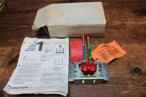Nitrous Oxide Outlet Station, Porter Instrument Co. #6200-1, Original Box, Nice
