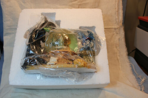 WIZARD OF OZ MUSICAL SNOW GLOBE WICKED WITCH LOOKING AT DORTHY AND FIGURES #1853