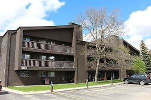 Forest Grove - 2 Bedroom Condo! Great Area! Just Reduced!