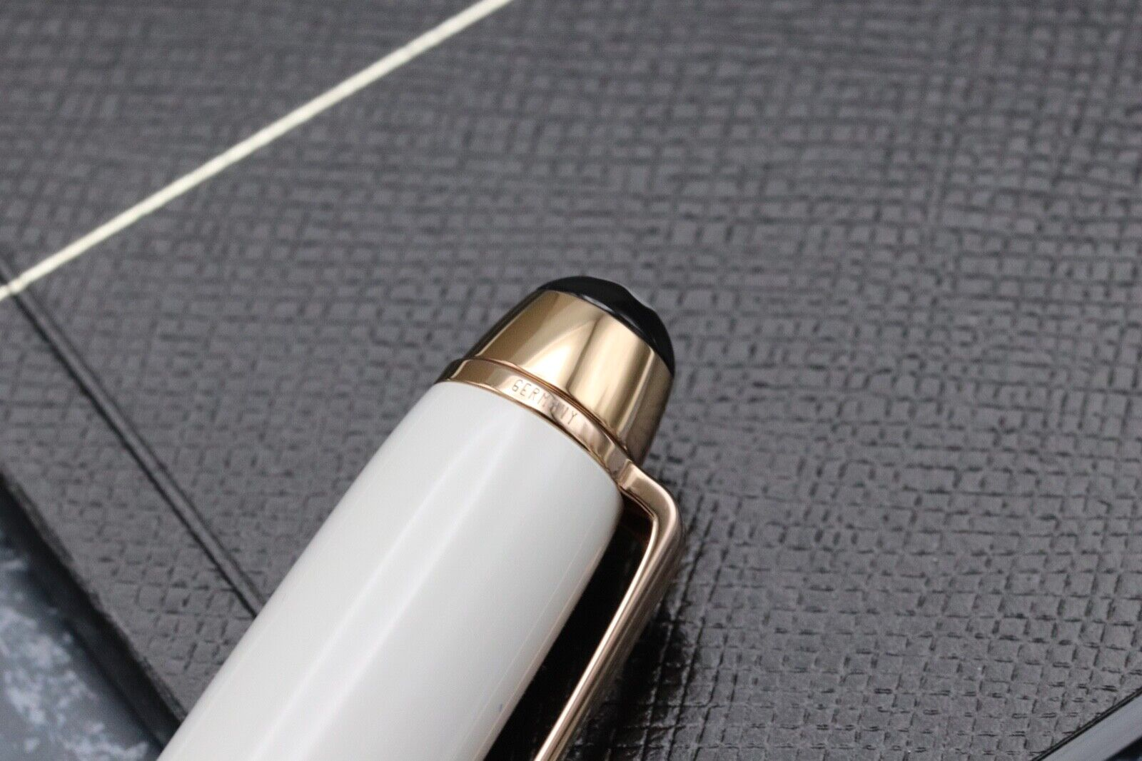 Montblanc Meisterstuck Mozart Tribute Red Gold Solitaire Ballpoint Pen - UNUSED 6
