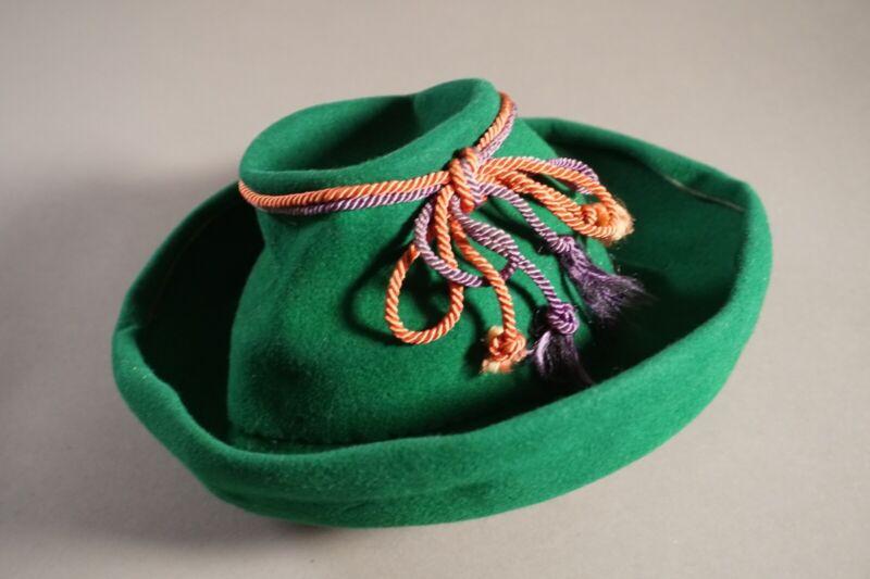 Vintage Walt Disney Saludos Amigos Green Felt Hat