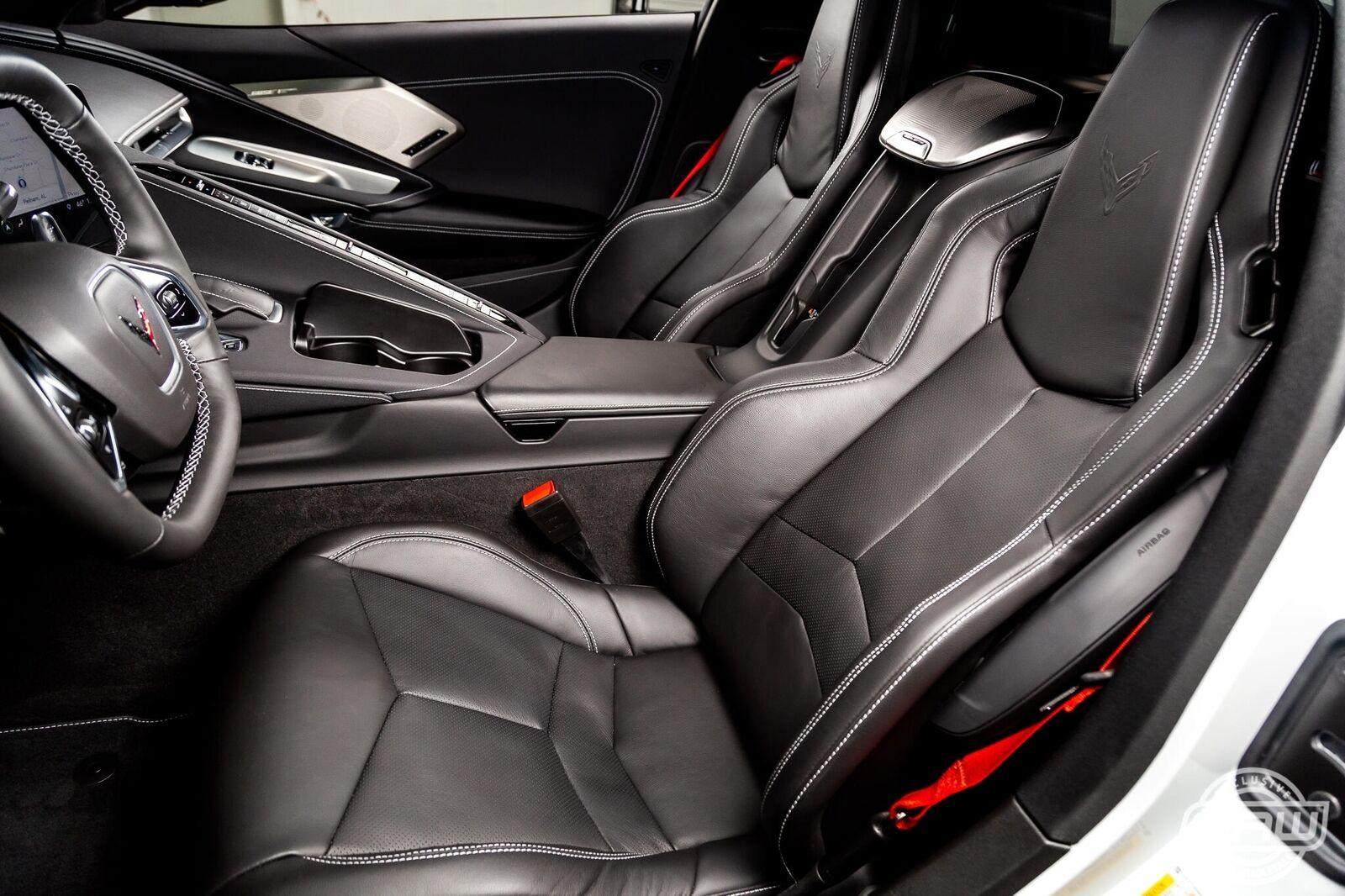 2020 White Chevrolet Corvette Stingray 2LT | C7 Corvette Photo 5