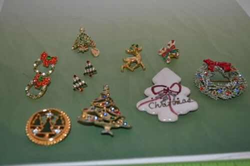 Lot of vintage to now Christmas lot. Monet, ART, brooches & earrings A20