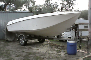 """Freedom 5 18"""" speed boat York York Area Preview"""