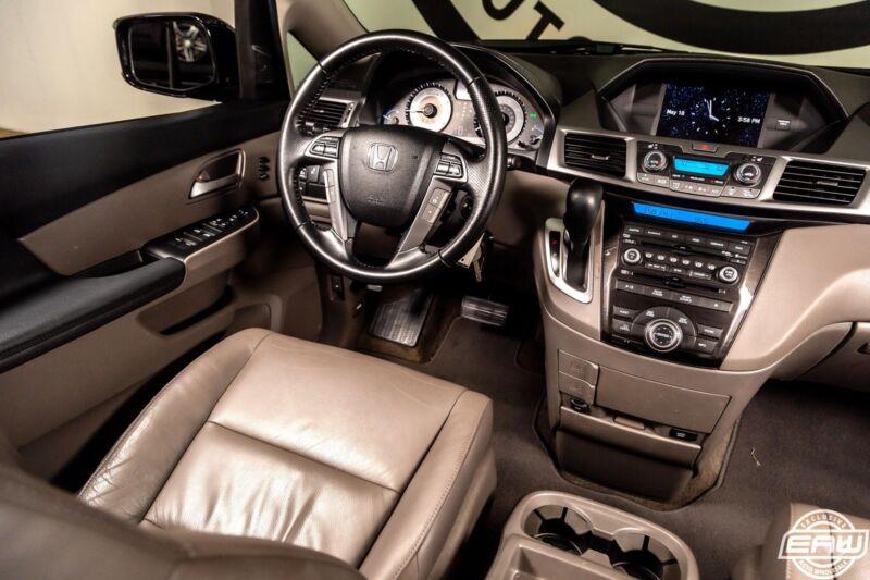 Image 7 Voiture Asiatique d'occasion Honda Odyssey 2013