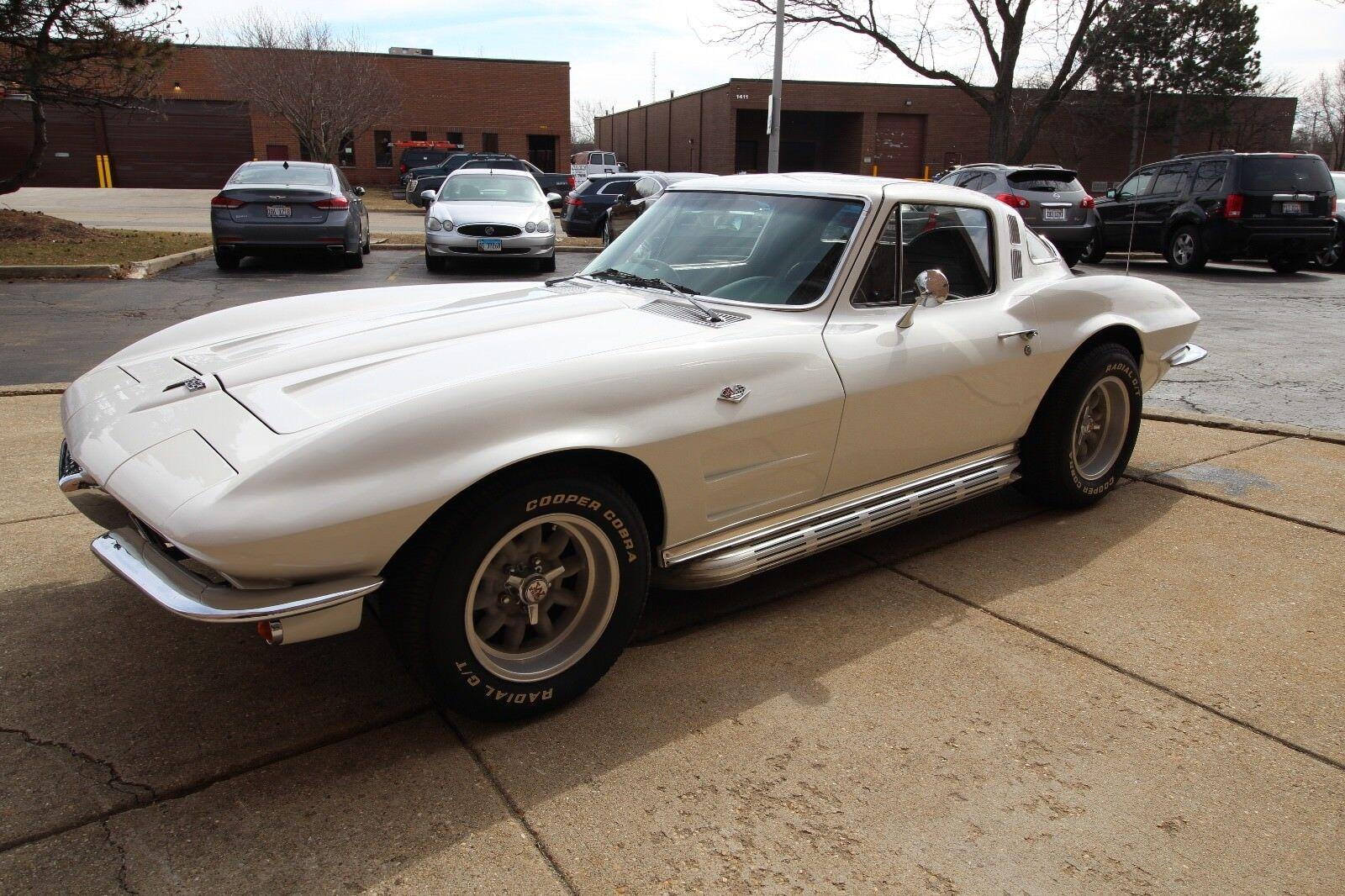 1964 Silver Metallic Chevrolet Corvette   | C2 Corvette Photo 1
