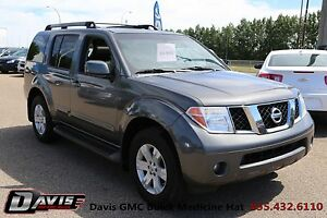 2005 Nissan Pathfinder LE  Leather! **reduced**