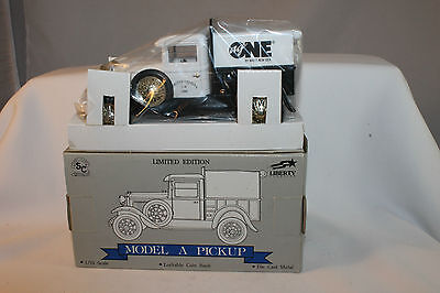 Pick Up Ideas (Liberty Classics White New Idea, Ag One, 1929 Ford Pickup,  1/25 Scale)
