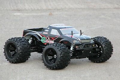 XTC RC MEGA MONSTER TRUCK HACKER BRUSHLESS 1:8 4WD RTR 80KM/H 2,4GHZ WHEELIE BAR