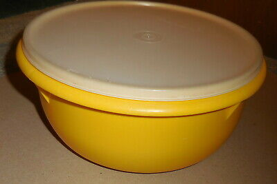 VINTAGE TUPPERWARE CONTAINER 272-14 with lid yellow  color 9