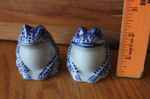 Frog Salt & Pepper Shakers Frogs Blue & White toads Porcelain Vintage Handmade