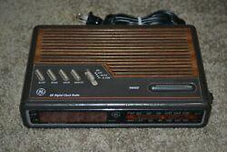 WORKING Vintage GE Model 7-4612B Woodgrain Digital Alarm Clock Radio AM/FM GDC!!