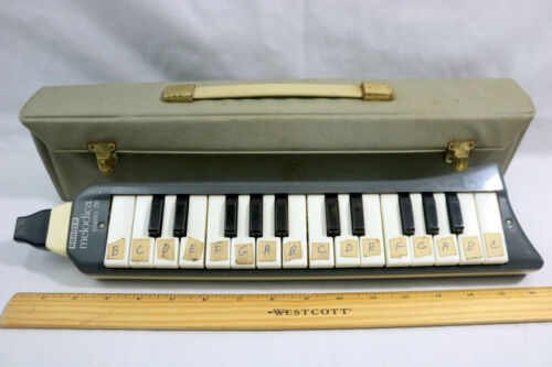 VINTAGE HOHNER Melodica Piano 26 - Made in Germany - with Case