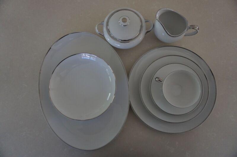 Harmony House Moderne 50 Piece Dinner Plate Set White Silver Fine China Japan