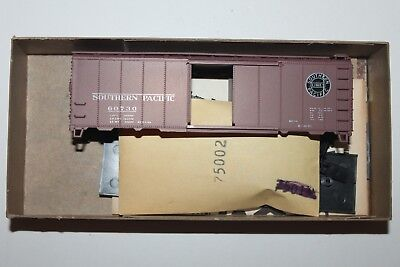HO Scale Athearn 5011 Southern Pacific 40' Single Door Boxcar Kit 60730 L2054