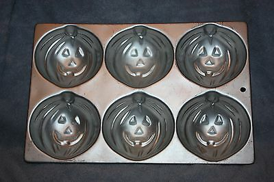 1983 Wilton Aluminum Cake Pan In The Shape Of 6 Pumpkin Faces, Halloween](Halloween Cake Pans Shapes)