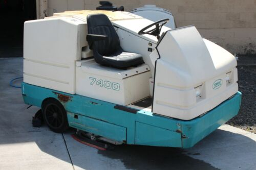 Tennant 7400 Ride-On Floor Cleaner/Sweaper/Scrubber