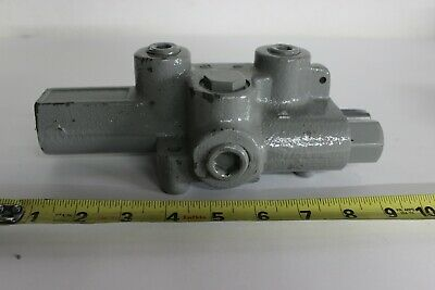Prince 4 Ways Monoblock Hydraulic Directional Valve With 20 Flow Capacity Gpm
